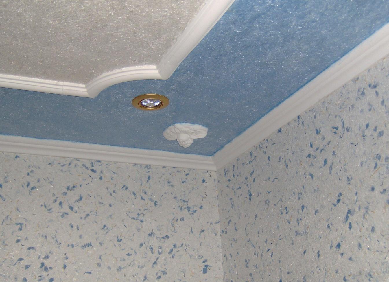обои на потолок фото на